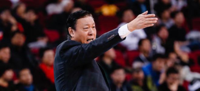 李秋平:首场比赛大家比较拘谨,篮板球是我们的弱点