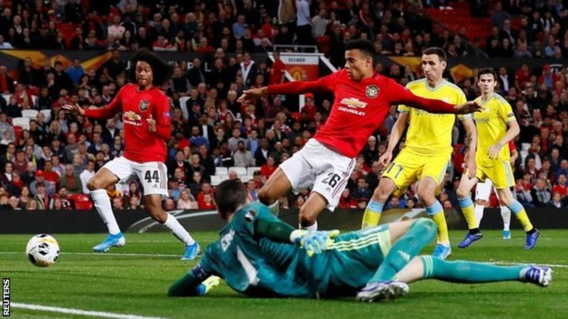 BBC:曼联为部分球迷提供免费包机观看客战阿斯塔纳比赛
