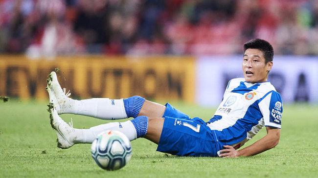 """足球报:武磊撞了""""二年级新秀墙"""",如何解决需好好打算"""