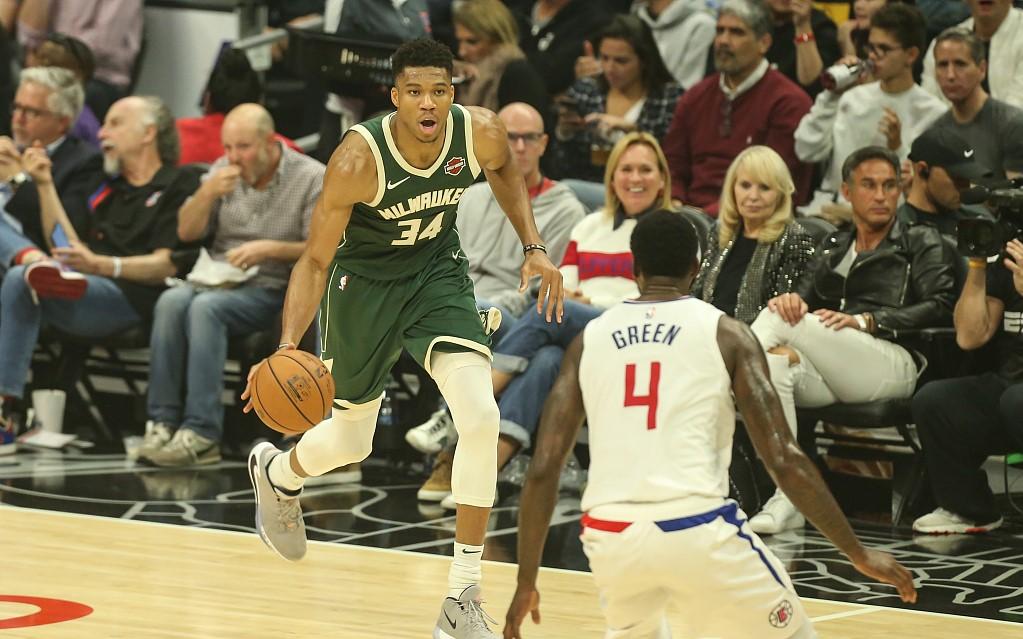 NBA官方评选今日最佳数据:字母哥38分16篮板9助攻当选