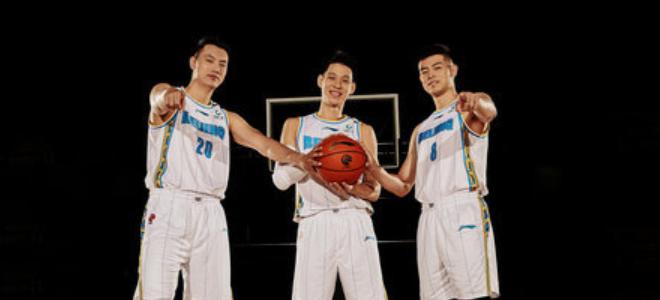 北京国安队员奥古斯托今晚将到现场为北京男篮助威
