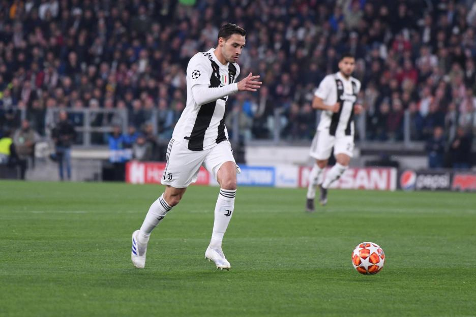 队报:巴黎重启德希利奥转会,但球员转会意愿不定