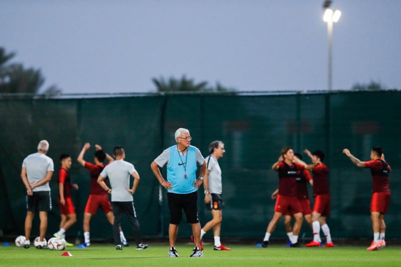 北青:国足训练强度达最高值,里皮强调将球尽快向前传