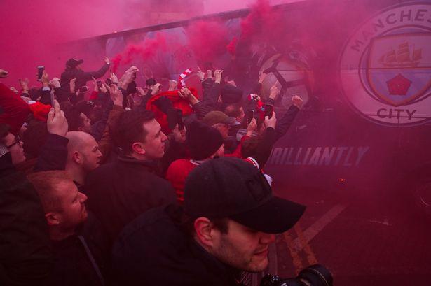 孔帕尼:曼城大巴被砸那一刻,红军是我最想击败的球队