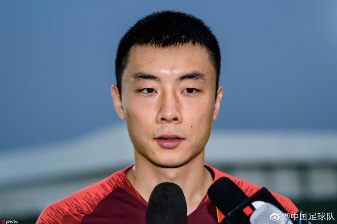 李磊:这两天训练强度较大,里皮要求加快节奏