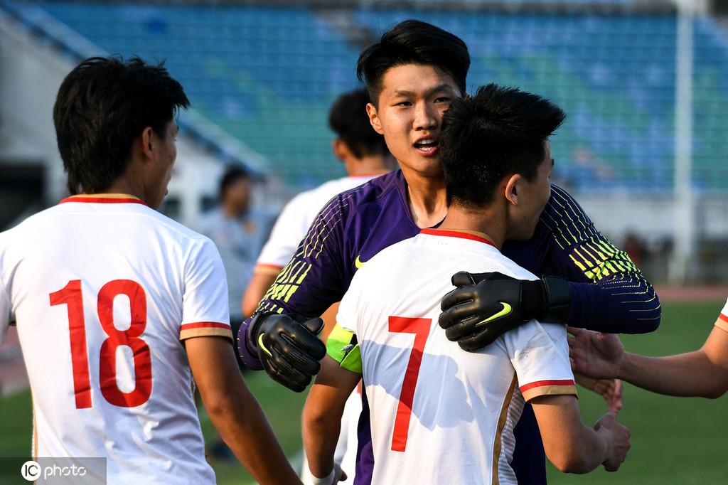 澎湃:25年来首度无缘亚青赛,中国足球还在为以前还债