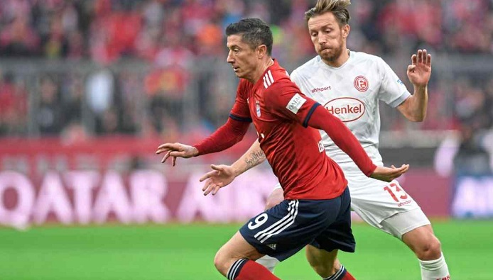德甲唯一没被莱万破门球队,杜塞后卫:我们要继续保持