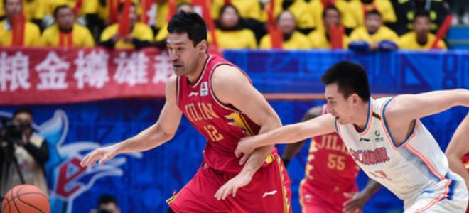 钟诚CBA生涯总篮板数超越刘玉栋,上升至历史第35位