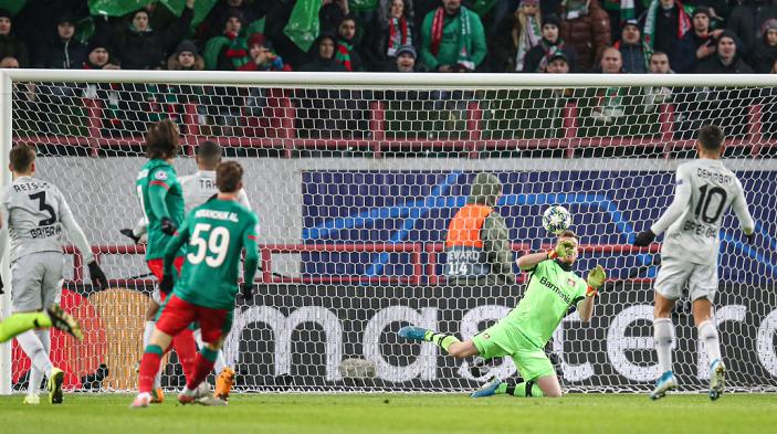 勒沃库森门将:我们至少能继续踢欧联杯,这是最低目标
