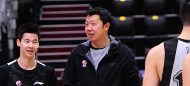 王治郅:球队和强队有差距,邹雨宸、韩硕有伤还不能打
