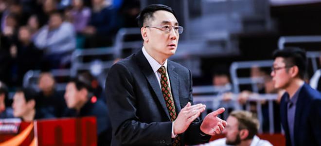 山西队主教练王非社媒发布个人照片并配文:旅途中