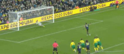 GIF:一波三折,奥巴梅杨点球被扑后重罚命中