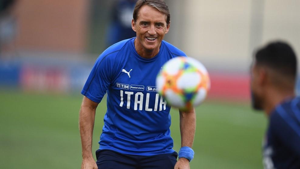 曼奇尼:意大利的分组很均衡,主场优势会对我们有帮助