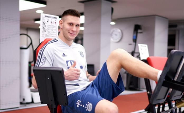 一图流:拜仁中卫聚勒在健身房进行训练