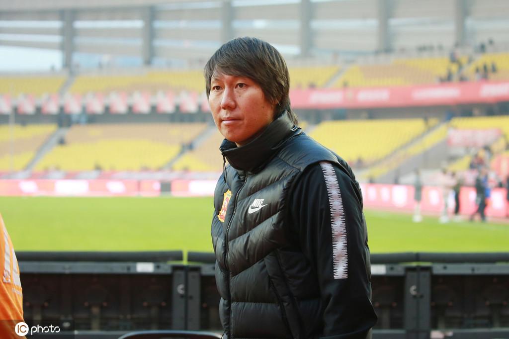 李铁谈国足选拔队:来的都是想为国踢球的人,一起努力!
