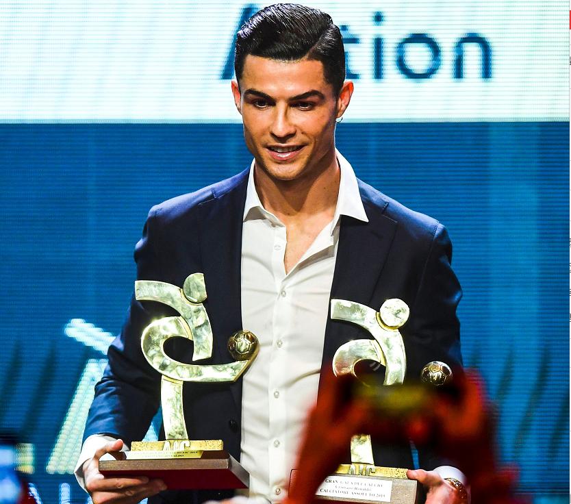 官方:C罗当选上赛季意甲联赛最佳球员并入选最佳阵容