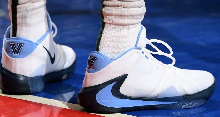 今日球鞋:字母哥上脚大学PE Freak1,拉塞尔上脚全城8