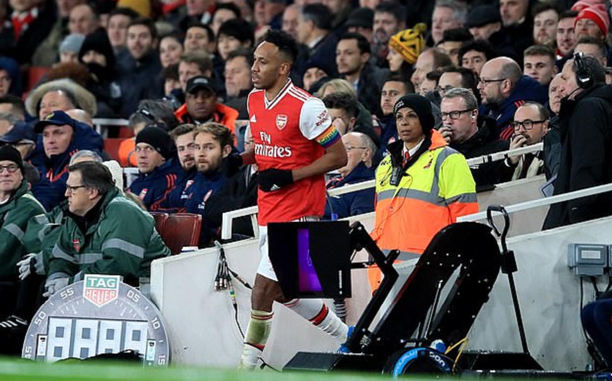 永贝里谈奥巴梅扬比赛中疑似尿急离场:他有需要那就去吧