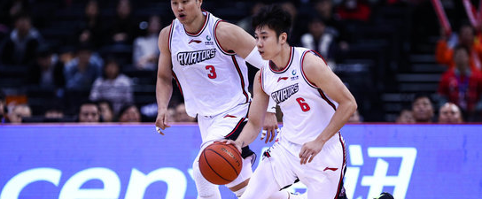 突然爆发!杨林祎对阵北京砍下21分创个人赛季新高