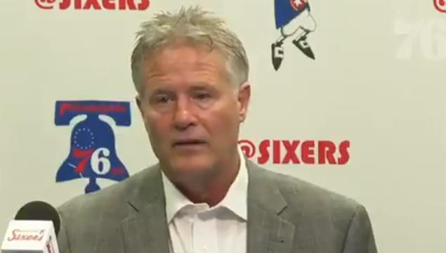 布雷特-布朗:哈里斯表现稳定,他在打出很棒的一个赛季