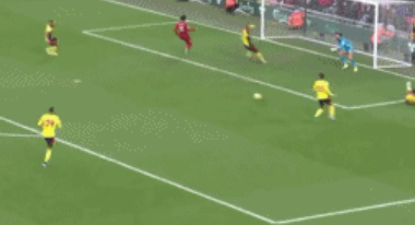 GIF:奥里吉射门打呲,萨拉赫门前巧妙推射破门