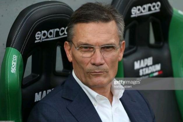 全市场:AC米兰考虑明年聘请亚特兰大总监萨尔托里