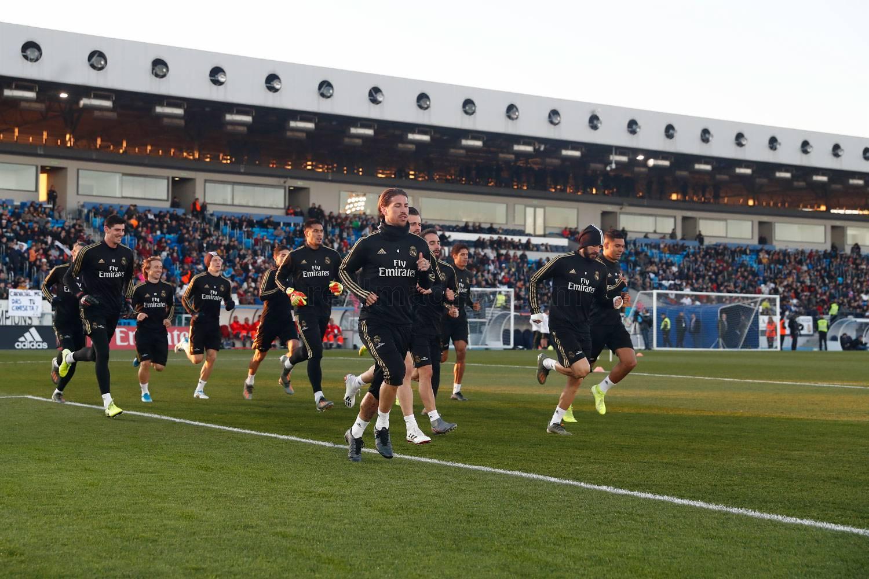 皇马进行公开训练课,马塞洛与巴斯克斯恢复部分合练