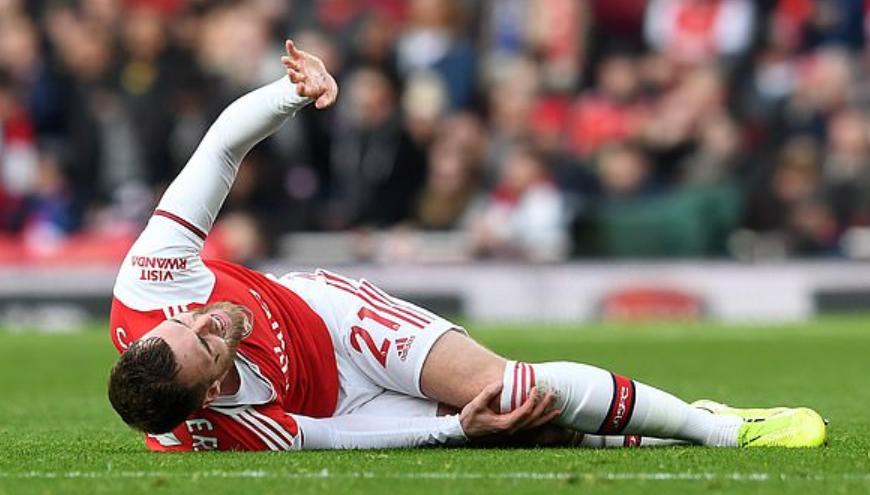 邮报:钱伯斯遭遇严重的膝盖伤病,赛季可能报销