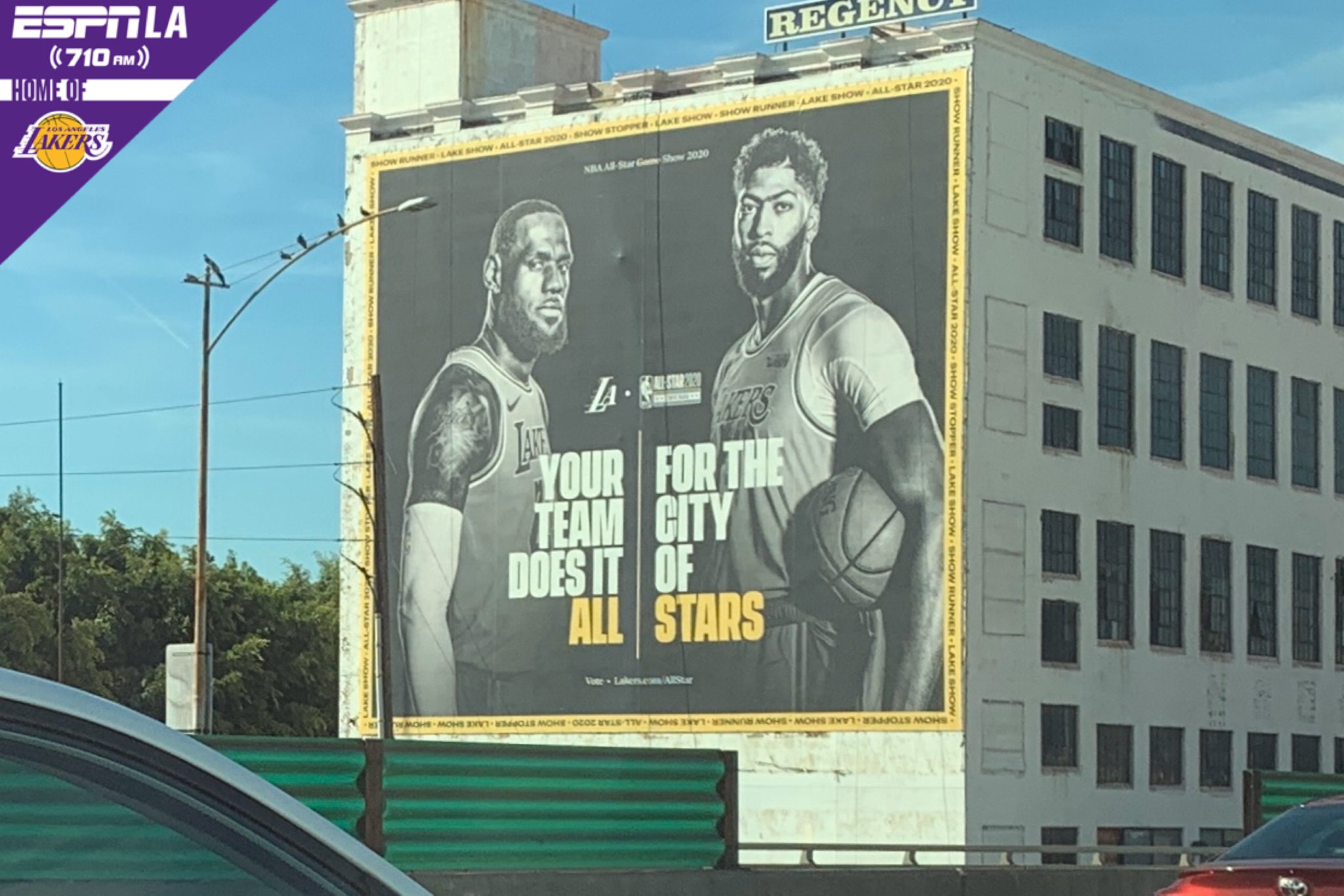 洛杉矶街头出现为詹姆斯和浓眉全明星拉