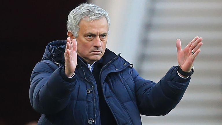 老雷:现在来看穆里尼奥也没有魔杖,利物浦就活该夺冠