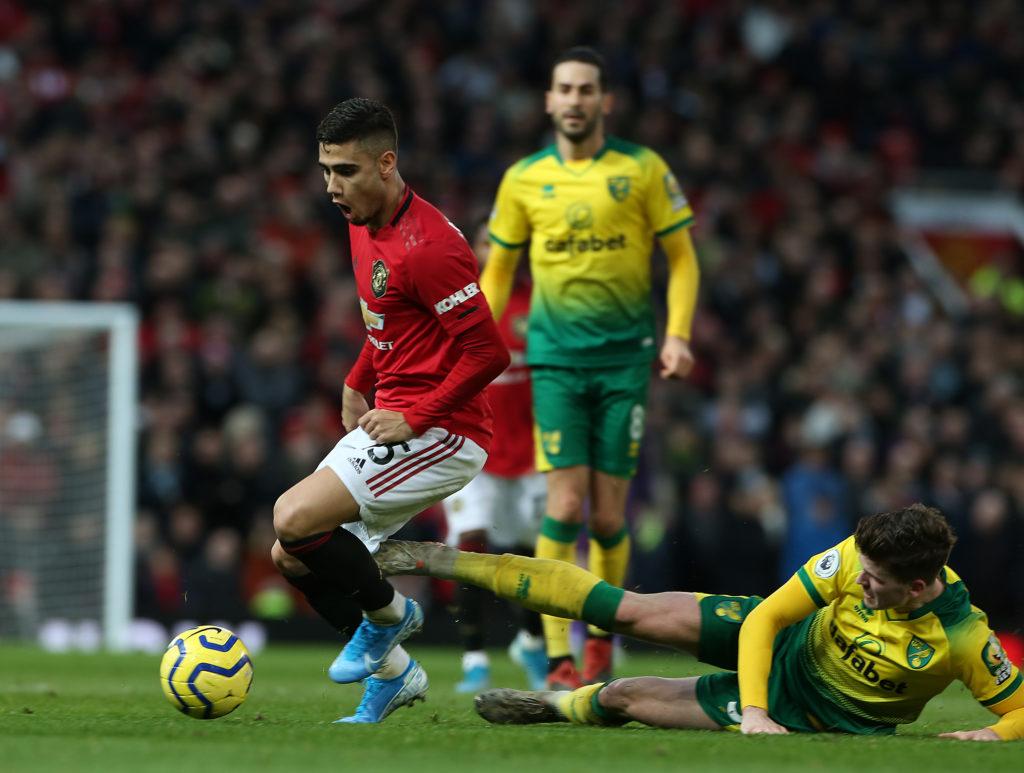 佩雷拉:为曼联效力重于生命,最适合踢前腰