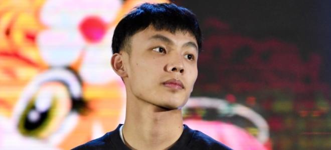 徐杰:恭喜睿哥喜提全明星MVP,今晚有鸡腿吃吗