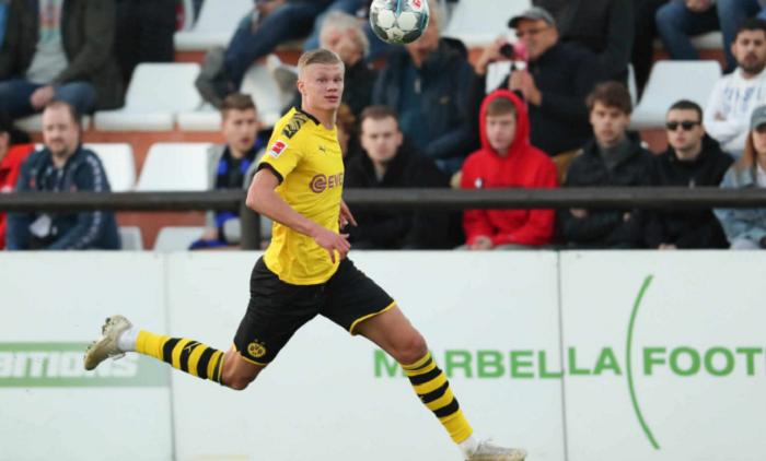 德国足坛名宿:十场比赛过后再来评价哈兰德的转会