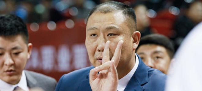王晗:防守策略是控制新疆外线,篮板球是制胜关键