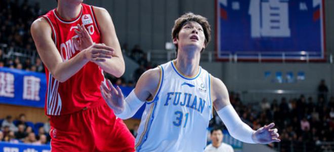 难阻失利!王哲林全场得到36分11个篮板3次封盖