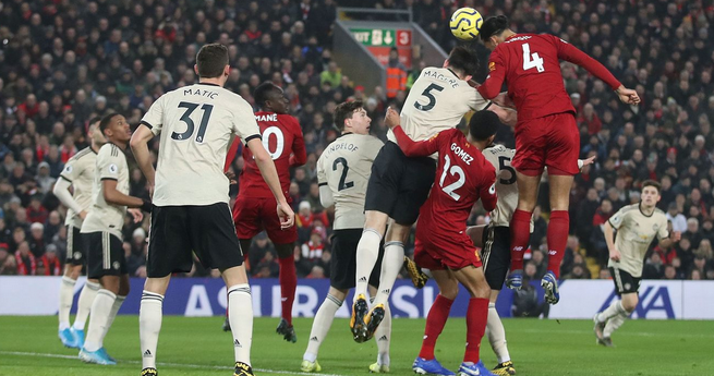 半场:范戴克破门菲尔米诺进球被吹,利物浦1-0曼联