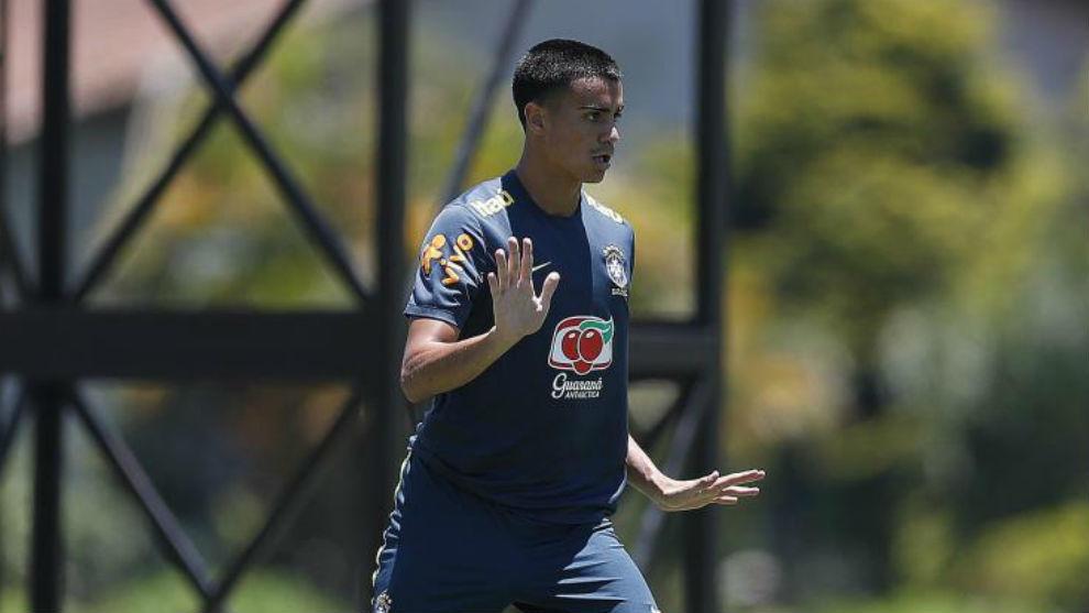 巴西国奥主帅:雷尼尔需要脚踏实地,相信他不会遇到问题