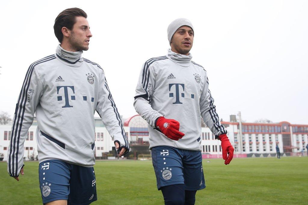 图片报:拜仁对阵沙尔克,新援奥德里奥索拉将替补待命