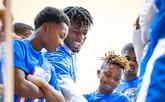 多尔特参与雷霆青少年篮球训练营举行的慈善活动