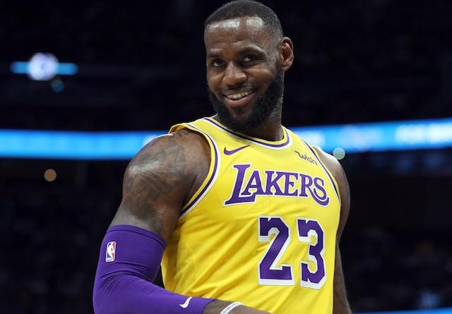 布朗盛赞詹姆斯:勒布朗可以说是篮球历史上最出色的球员