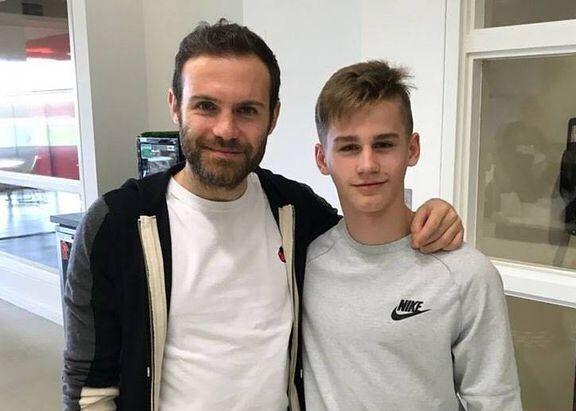 曼联试训15岁的俄罗斯年轻前锋,曾在友谊赛中独中5球