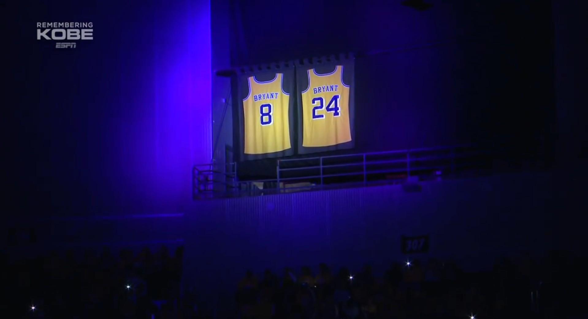 [视频]R.I.P. 湖人在赛前举办了科比的悼念仪式
