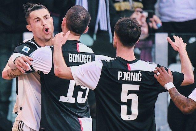 C罗点射双响+连续9轮破门平纪录,尤文3-0佛罗伦萨