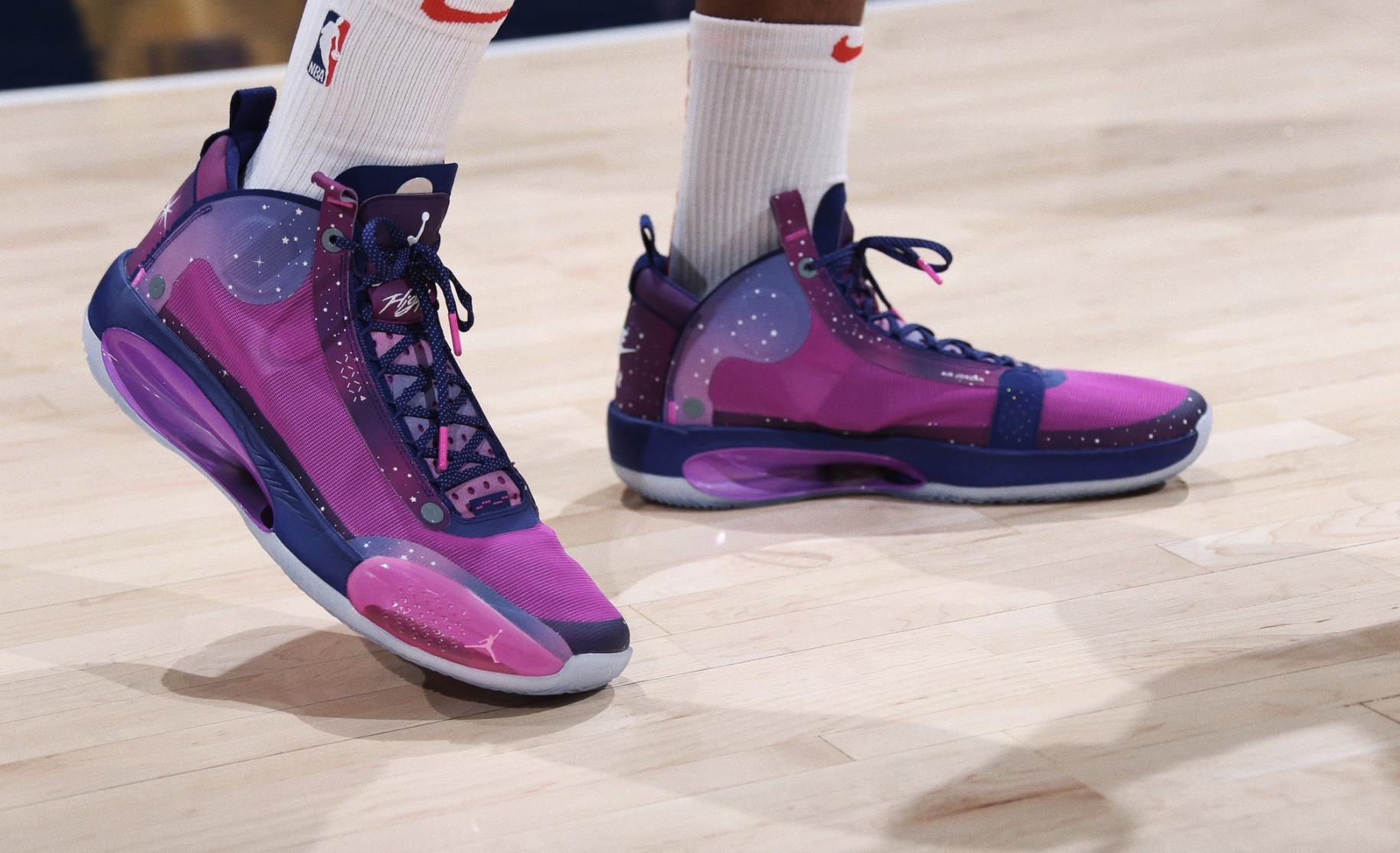 今日球鞋:灰熊教练组上脚Kobe系列,八村垒上脚星空AJ34