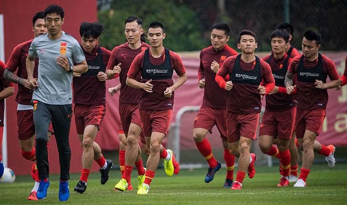 粤媒:制定中超新赛程更为困难,国足或3月提前组织集训