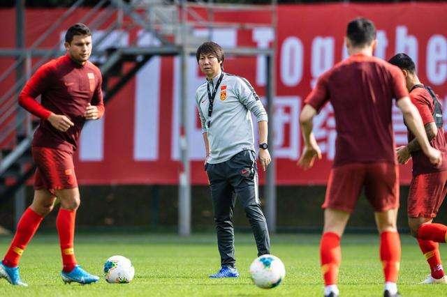 津媒:足协已与FIFA马代关岛沟通,望调整3月两场世预赛