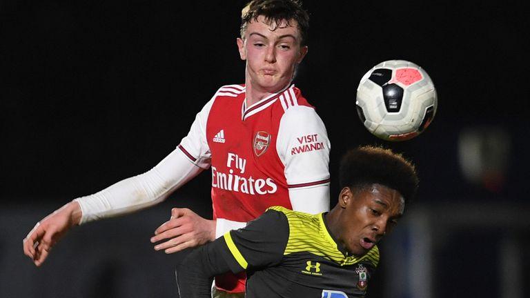 天空体育:英足总将限制U18球员头球,专家呼吁继续推广