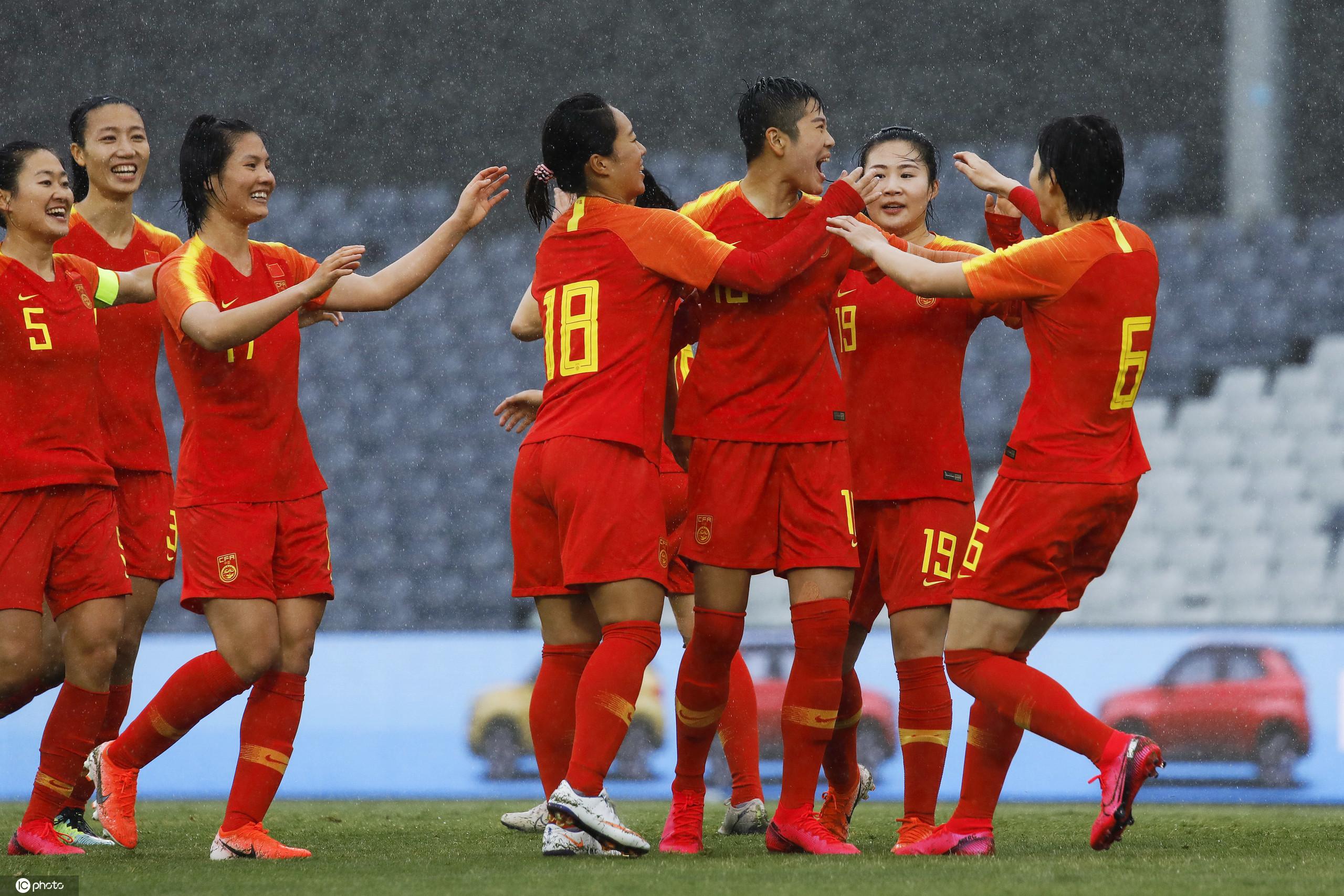 女足奥预赛:李影双响王珊珊破门,中国6-1泰国