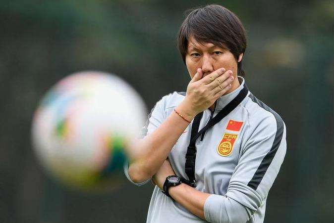 记者:泰国遭国际足联警告,国足40强赛预备方案或受影响