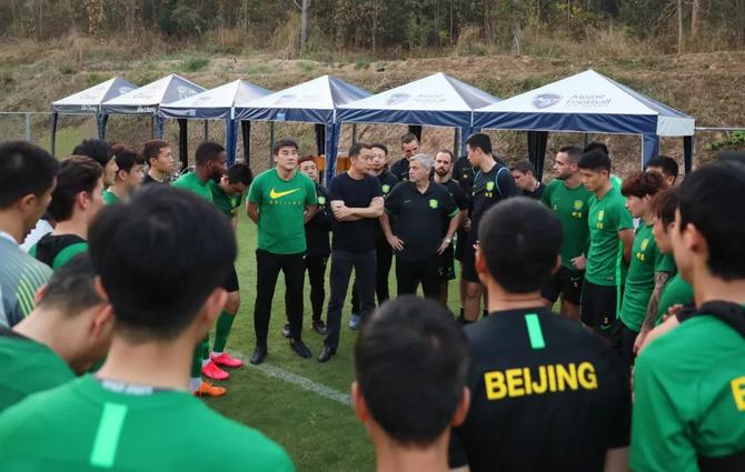 周金辉赴泰探望国安:做好防护工作,亚冠赛场全力以赴